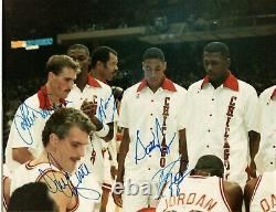 1987 Bulls Team Signed Photograph Michael Jordan Pippen + Psa/dna Autograph Auto