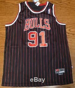Dennis Rodman Signed Black Chicago Bulls Jersey PSA/DNA COA HOF 2011 The Worm 52