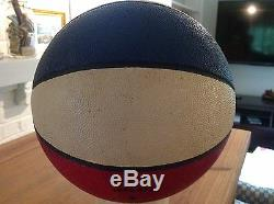 1967-69 Le Basket-ball Utilisé Par Aba Mikan Et Appartenant À Un Particulier Est Signé Par Mikan Psa / Dna