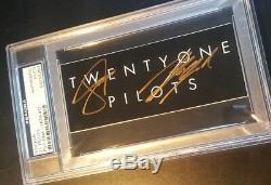 21 Twenty One Pilots Tyler Joseph Signé Autographié Autocollant Psa / Adn Authentique