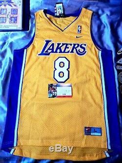 Bryant Nom Complet Kobe Autographiés Authentique Lakers # 8 Maillot Nike Psa / Adn Rare