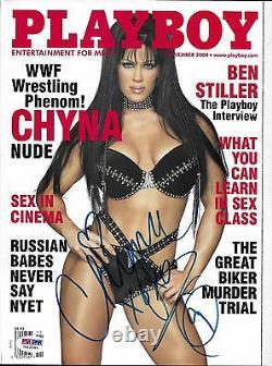 Chyna A Signé Novembre 2000 Playboy Magazine Psa/dna Wwe Diva Wrestling Autograph