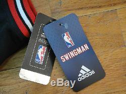 Derrick Rose Psa / Adn Signé Adidas Chicago Bulls Jersey Swingman Autograph Monnaie