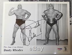 Dusty Rhodes Signé Wwe Photo 8x10 Psa / Dna Coa Nwa Lutte Image Autograph