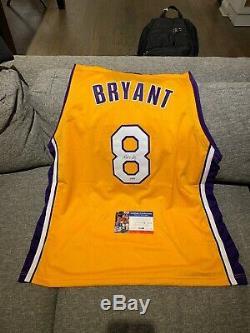 Kobe Bryant Autographié # 8 Jersey (psa / Adn)
