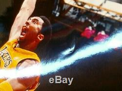 Kobe Bryant Autographié Los Angeles Lakers 16x20 Photo Psa / Adn Coa (# 8 Jersey)
