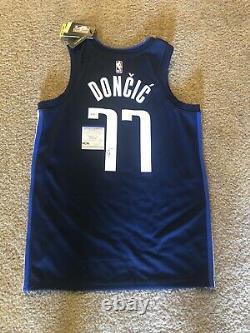 Luka Doncic #77 Signé Dallas Mavericks Authentic Basketball Jersey Psa/dna