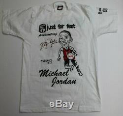 Michael Jordan Signé T-shirt Autographié Bulls Very Nice Psa / Adn