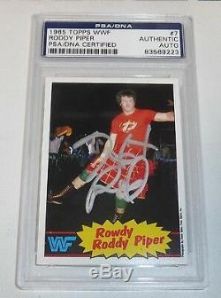 Rowdy Roddy Piper Signé 1985 Wwf Carte Psa Topps / Adn Coa Wwe Autograph Lutte