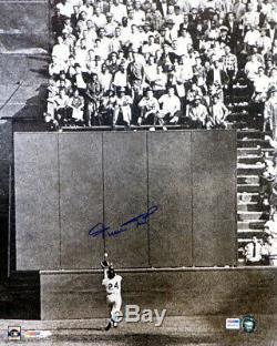 Willie Mays Autographié Signé 16x20 Photo Giants The Catch Psa / Adn 76420