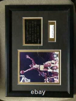 Wilt Chamberlain Framed Cut Photo Signée Autographe Autographe Auto Psa/adn Coa